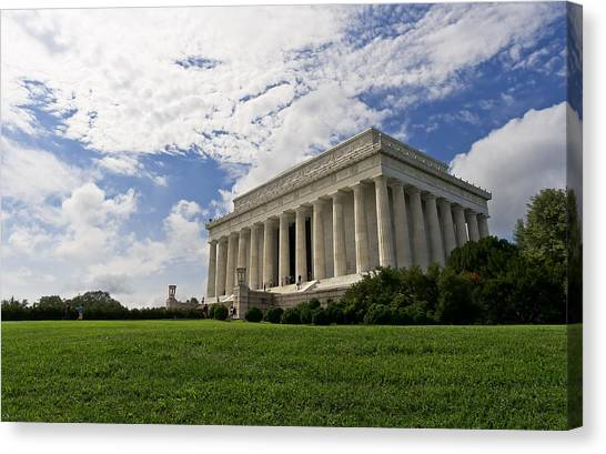Lincoln Memorial And Sky Canvas Print