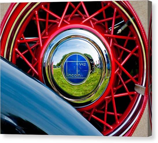 Lincoln V12 Canvas Print