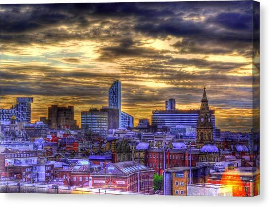 Liverpool At Nite Canvas Print