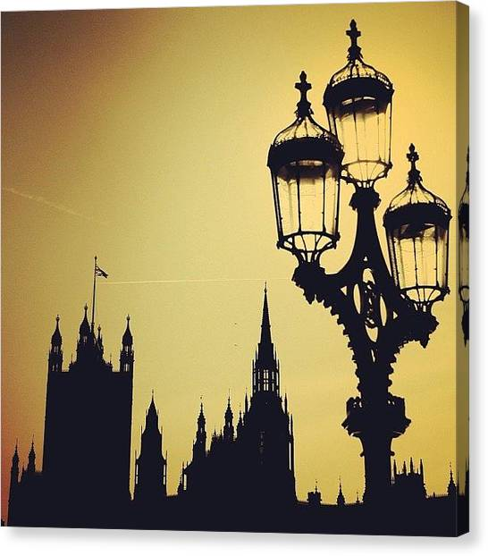 London Canvas Print - #london #westminster #londoneye #siluet by Ozan Goren