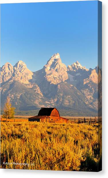 Lonley Barn Canvas Print by Rusty Enderle