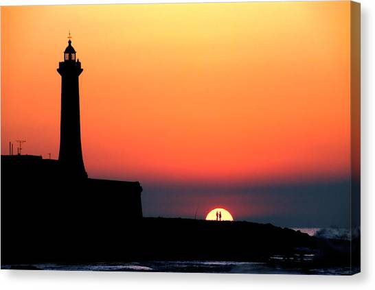 Lovers In The Sunset Canvas Print