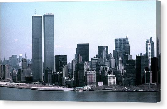 Lower Manhattan Island With Twin Towers Canvas Print