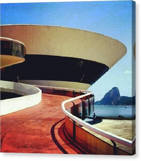Mac Canvas Print - Mac E Pão De Açucar #mac #niterói by Gogliardo Maragno