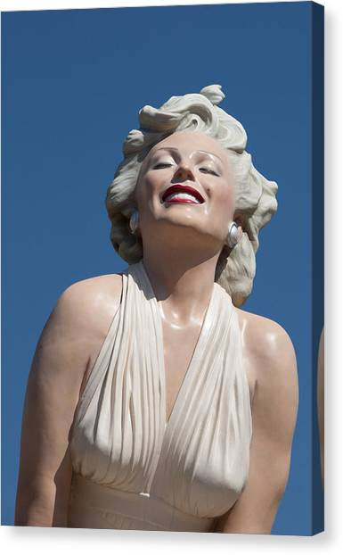 Marilyn In The Sun Canvas Print