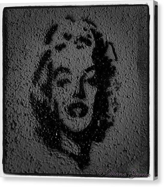 Marilyn Monroe Canvas Print - #marilynmonroe #marilyn #monroe #beauty by Diana Garcia