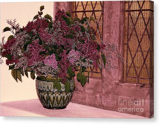 Mauve Bouquet Canvas Print