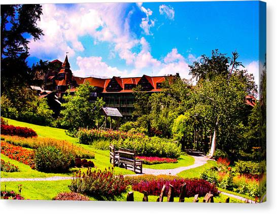 Mohonk Mountain House Garden Canvas Print by Michael Ray