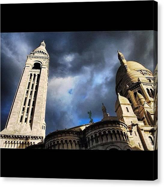Tuna Canvas Print - Montmartre - Paris by Yalin Tuna