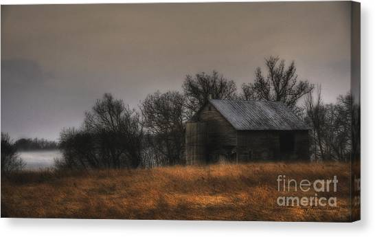 Morning Fog At Jorgens Barn Canvas Print
