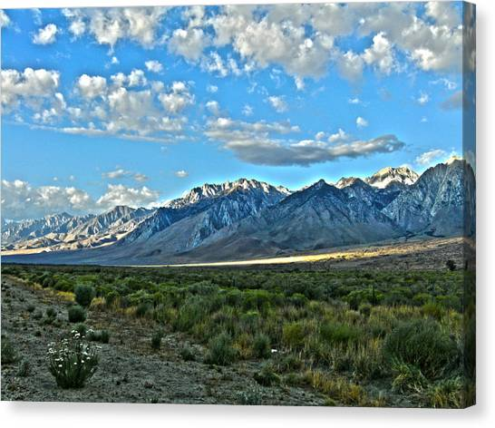 Morning In The Eastern Sierras Canvas Print