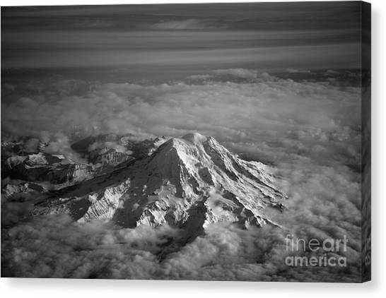 Mount Rainier Canvas Print by Ei Katsumata
