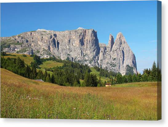 Mount Sciliar In Summer Canvas Print by Dan Breckwoldt