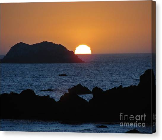 Mystic Sunset Canvas Print by Suze Taylor