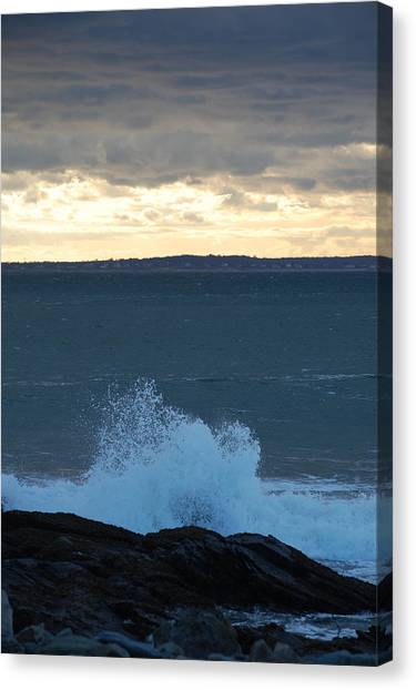 Newport Evening Waves Canvas Print by Dickon Thompson