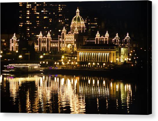Nightscape Of Parliment Canvas Print