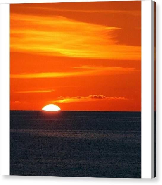 Ocean Sunsets Canvas Print - Ocean IIi|lurpis @ Kik. #iphonesia by Robin Hedberg