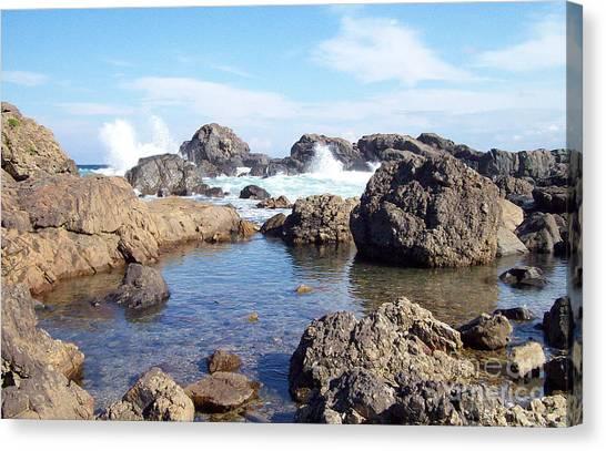 Ocean Tide On The Rocks Canvas Print