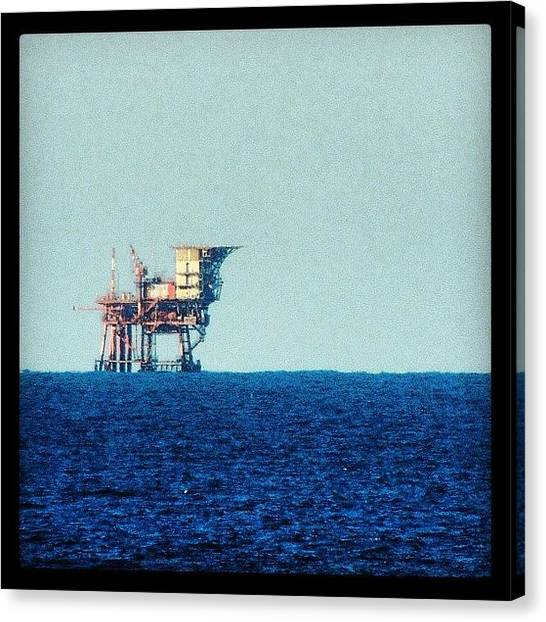 Oil Rigs Canvas Print - Oil Rig by Chi ha paura del buio NextSolarStorm Project