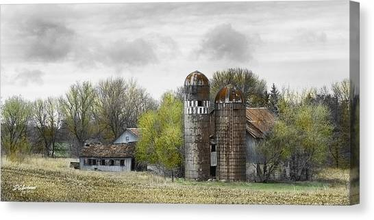 Old Minnesota Farmstead Canvas Print by Don Anderson