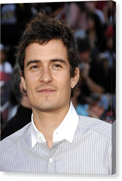 Orlando Bloom Canvas Print - Orlando Bloom At Arrivals For Premiere by Everett