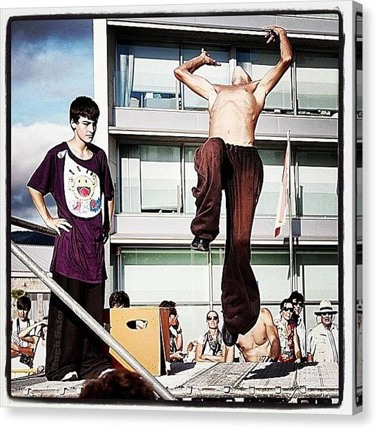 Workout Canvas Print - Parkour O Marisquiño 2011 #parkour by Hugo Sa Ferreira