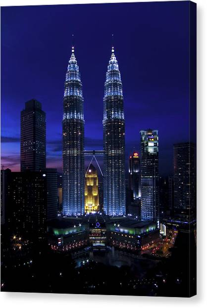 Petronas Towers In Kl Malaysia At Twilight. Canvas Print