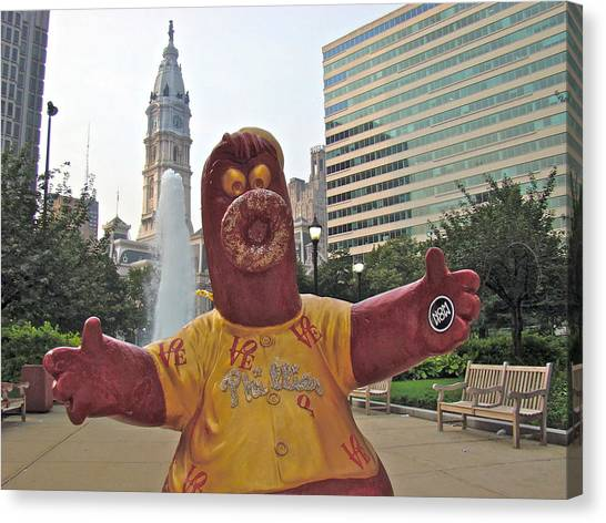 Phanatic Love Statue In The City Canvas Print