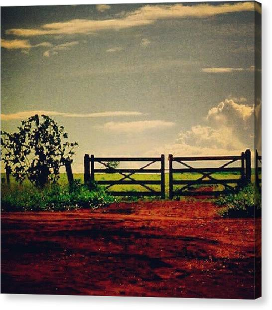 Farmers Canvas Print - Porteira #bonito #fazenda #farmer #céu by Gogliardo Maragno