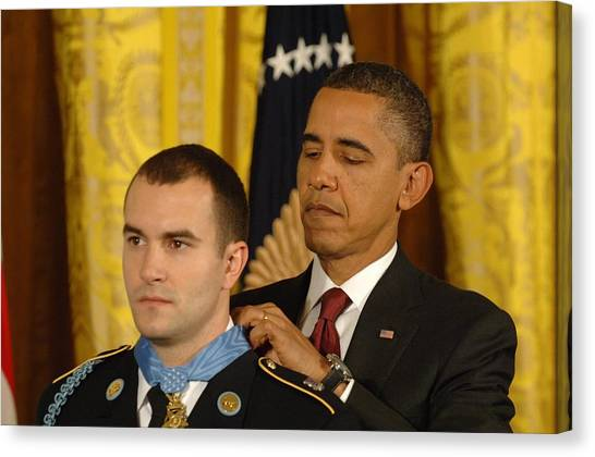 Bswh052011 Canvas Print - President Obama Presents The Medal by Everett