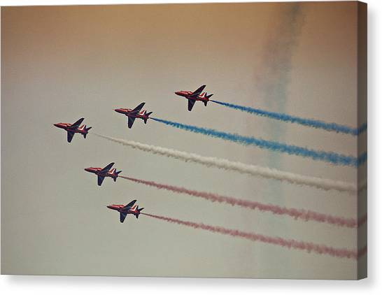 Red Arrows Canvas Print by Graham Parry