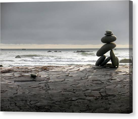 Ruby Beach 1 Canvas Print by Fred Russell