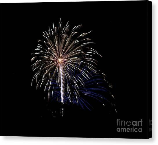 Rvr Fireworks 115 Canvas Print