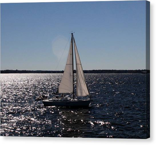 Sailing On The Bay2 Canvas Print