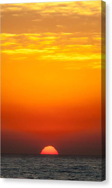 Sea Sunrise Canvas Print