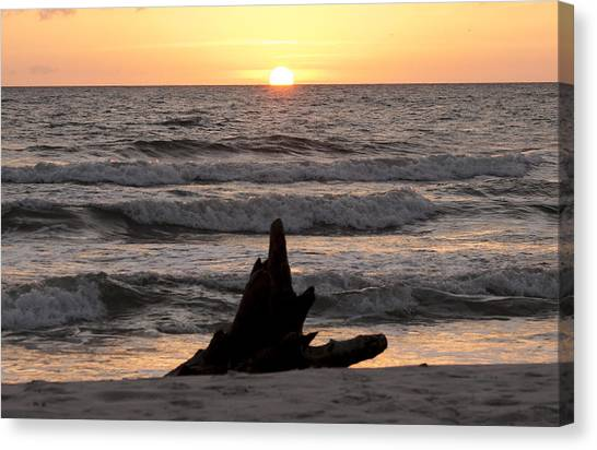 Canvas Print featuring the photograph Serendipity Sunset by Judy Hall-Folde