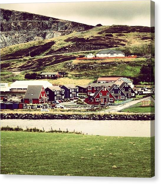 House Canvas Print - Shetland by Luisa Azzolini