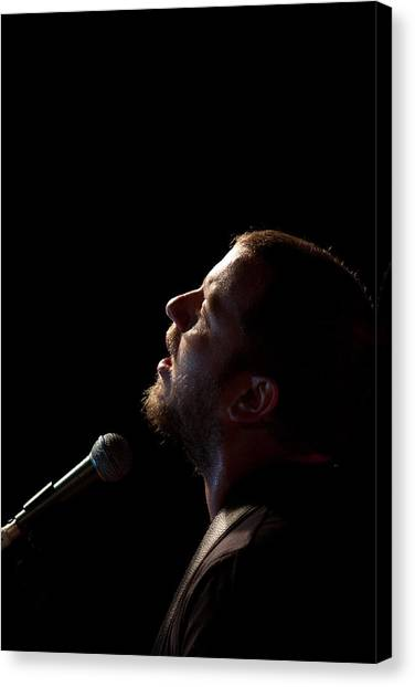Soulful Singer - Ard Matthews Canvas Print by Miguel Capelo