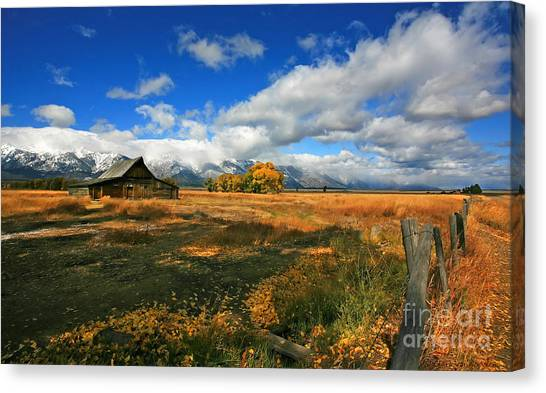 South Moulton Barn Canvas Print