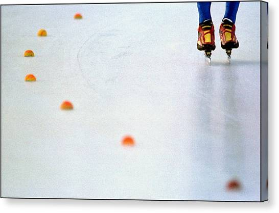 Speed Skating Canvas Print - Speed Skating Break by Kort Duce