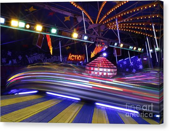 Spinnin' Round... Canvas Print by Urban Shooters