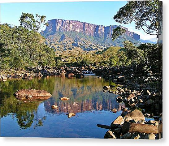 Starting Up Roraima Canvas Print