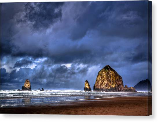 Stormy Clouds In Cannon Beach Canvas Print