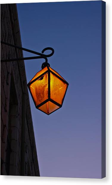 Street Light Canvas Print by Amr Miqdadi