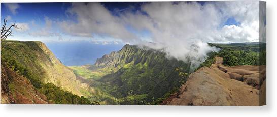 Stunning Panorama Of The Napali Coast In Kauaii Canvas Print