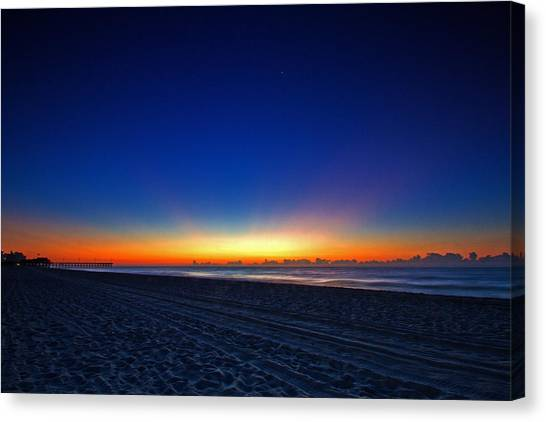 Sunrise At The Beach IIi Canvas Print