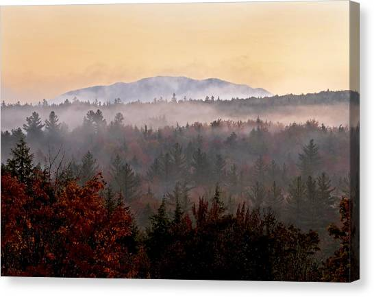 Sunrise In The East On The Kancamagus Highway Canvas Print