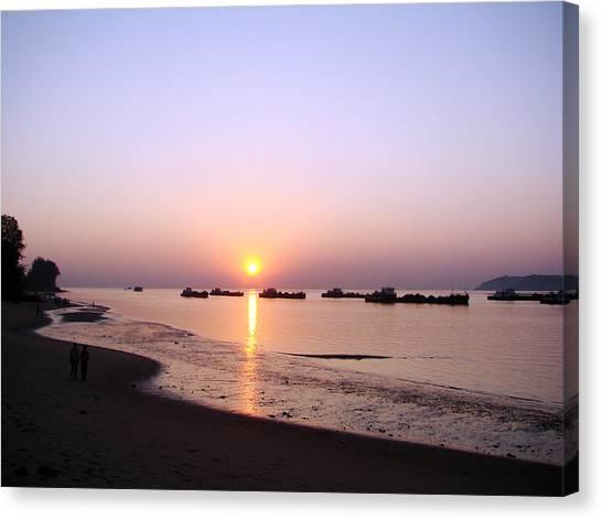 Sunset At The Beach Canvas Print by Susmita Mishra