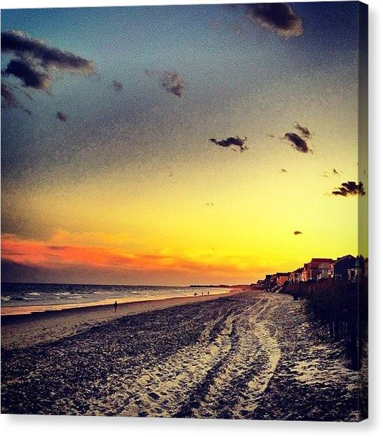 Sunset Canvas Print - #sunset #gardencity 🌞🏄 by Katie Williams