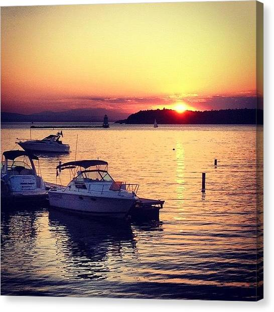 Vermont Canvas Print - Sunset On The Lake by Kelly Diamond